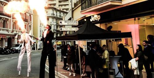 Pour le lancement du nouveau magasin Jeep à Monaco, la troupe Eklabul est venue animé la crémaillère...
